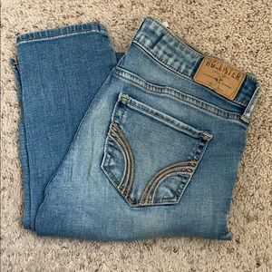 Hollister blue jeans size 3R w26 L31 faded ripped